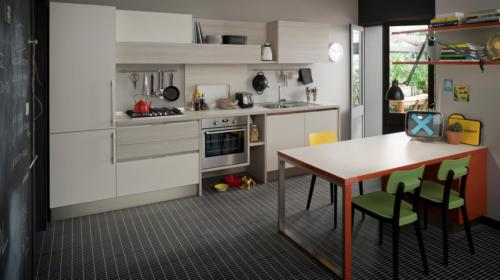 Μοντέρνα και νεανικά έπιπλα κουζίνας απο την Veneta Cucine-Veneta Avant μοντέλο START TIME GO