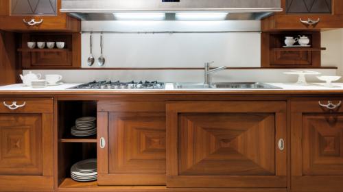 Κλασικά επιπλα κουζινας απο την Veneta Cucine-Veneta Avant μοντέλο CA VENETA